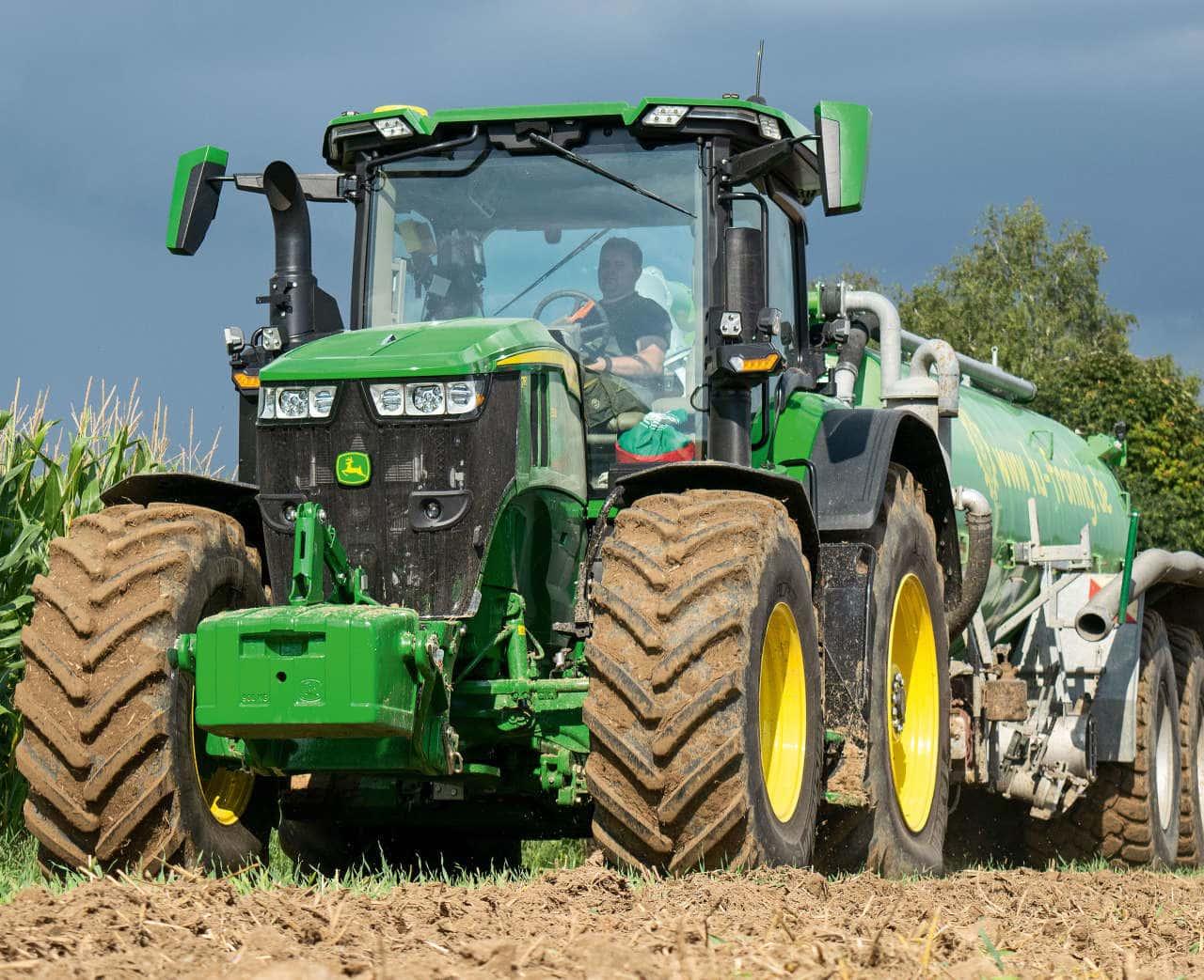 Traktor John Deere 7R