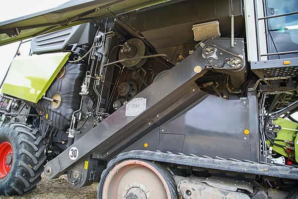 Claas Trion Mähdrescher Dieseltank